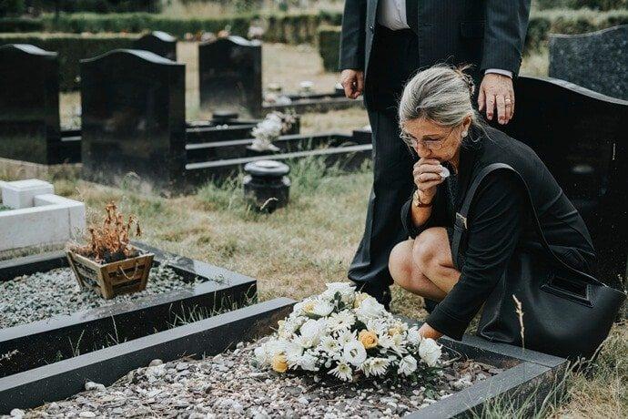 Enterro: Entenda a sua origem, costumes e curiosidades