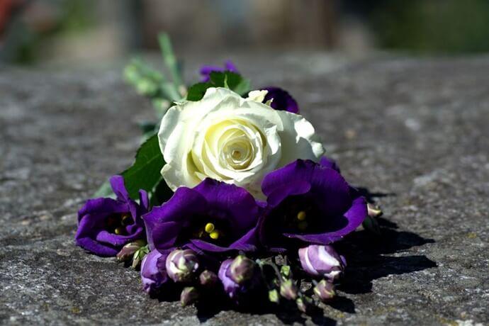 Plano funeral com cobertura de velório completo