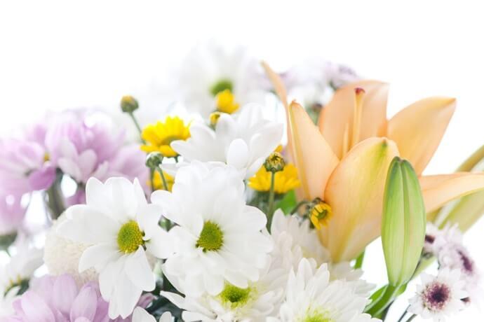 Qual é o simbolismo das flores em um velório?